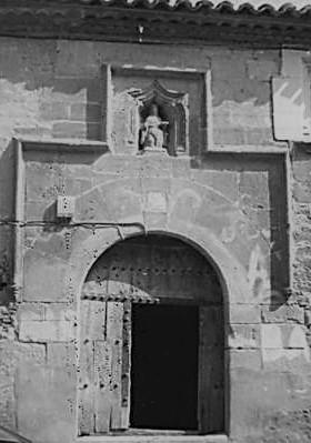 Puerta de la Casa de San Millán en Torrelapaja