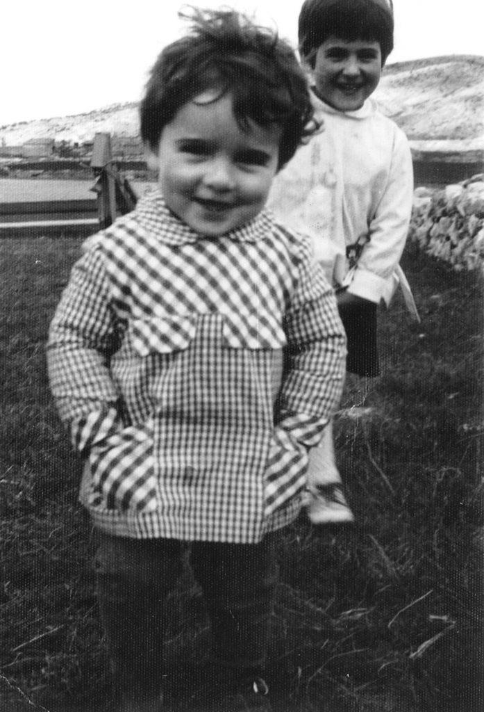 Carlos Rubio y hermana